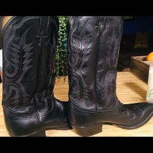 Tony Lama boots /9 1/2 D..black